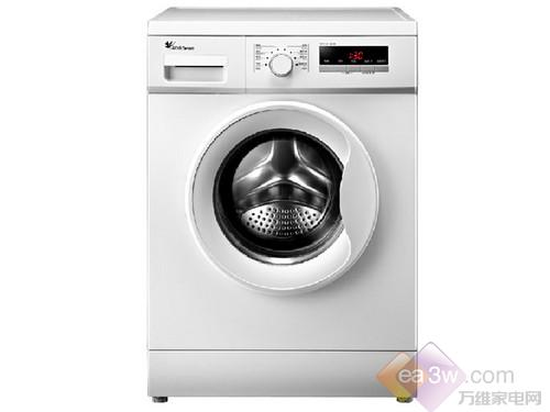小天鹅 TG60-V1020E洗衣机属于净立方系列中的一款,外观简洁大方,银灰色的机身能很好地融入家居环境。洗衣机上方的控制面板简洁明了,LED显示屏能实时呈现洗涤信息。6kg的容量很适合三口之家的洗涤。