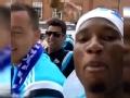 视频-切尔西夺冠大巴游行 德罗巴举手机狂拍