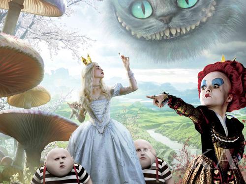 爱丽丝梦游仙境真人_不同于以上几部童话电影,安妮-海瑟薇版的《爱丽丝梦游仙境》的真人