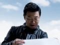 《极限挑战第一季片花》黄渤化身黑衣型男 开启宝箱直呼怎么可能