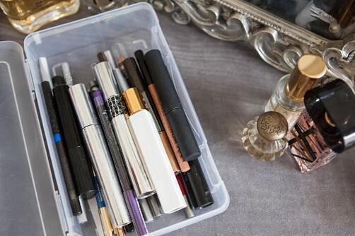 者咖啡豆,把你日常使用的化妆刷 眼线笔、睫毛膏这种圆柱体的东西图片
