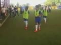 视频-切尔西泰国开训练课 为青年球员传授技巧