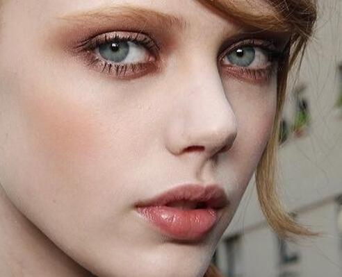 欧美妆容_欧美90后女星的妆容技巧 高分颜值如何妆
