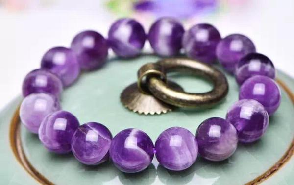 紫水晶功效知识,可以治疗睡眠的养身水晶