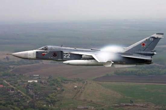 """外媒:美驱逐舰黑海""""挑衅"""" 被苏-24驱离"""