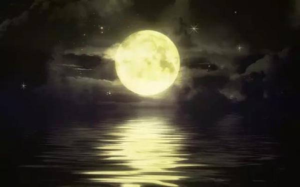 有关月亮的比喻句