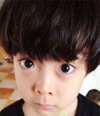 一年级里面李昊煜小盆友的发型图片