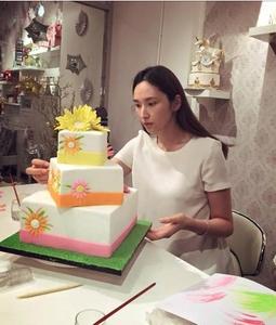吴佩慈二胎怀孕3个月 预产期11月底