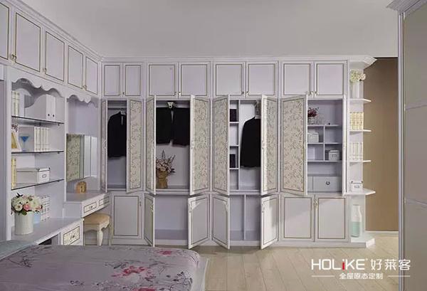 大卧室衣柜内部结构图