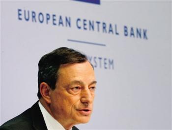 6月3日,欧洲央行行长德拉吉在新闻发布会上表示,QE的实施进展良好。将继续实施QE,直到通胀可持续性复苏。欧洲央行预计2015年GDP增速为1.5%,与3月预期一致。欧洲央行下调2017年经济增长率预估至2%,原为2.1%。