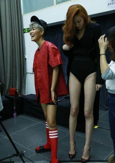 芜湖女孩115米性感大长腿勇夺世界最长腿称号