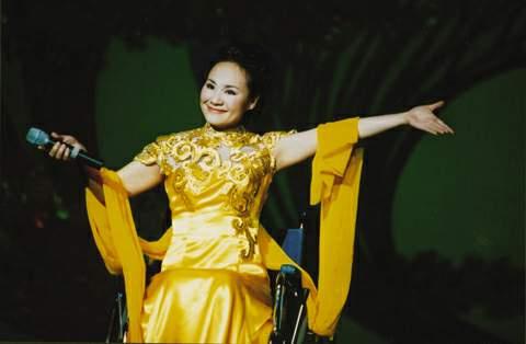 冬奥会励志歌曲《飞翔的光》著名歌唱家李海颖