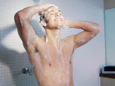 见别人在浴缸里洗澡叫别人起床的表情包 装修效果图大全