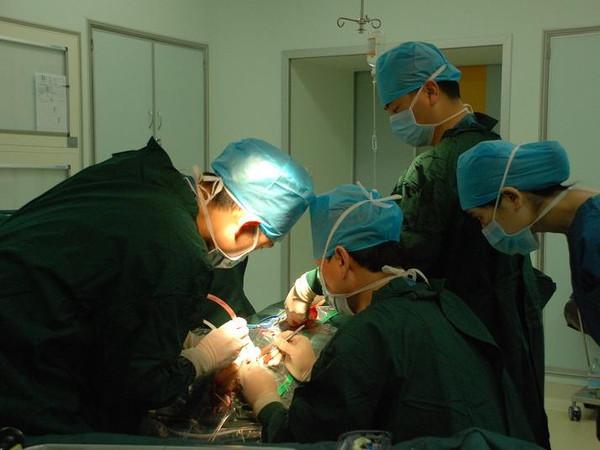 手术治疗帕金森病帮助患者获得信心图片