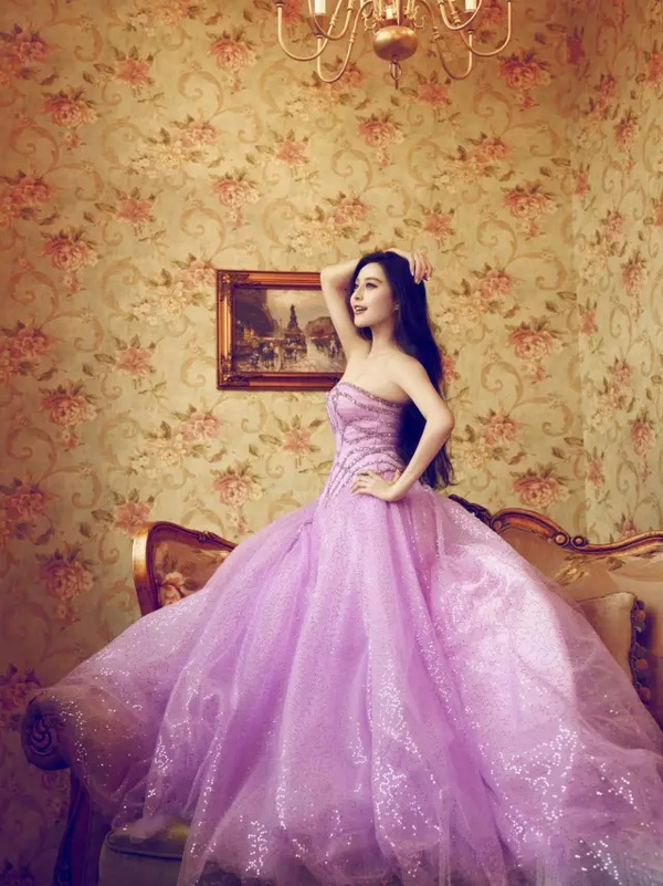 婚纱婚纱手绘背影女生