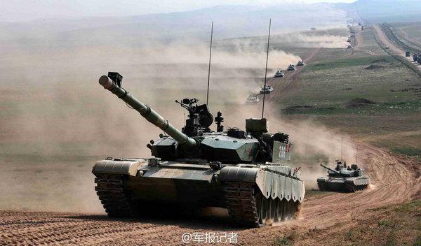 图为朱日和军演气势恢宏。
