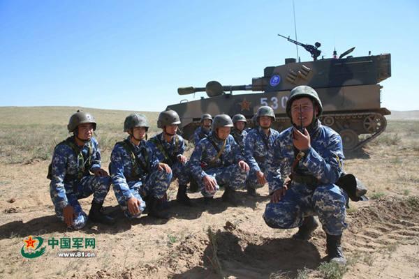 资料图:2015朱日和军演中的蓝军部队。