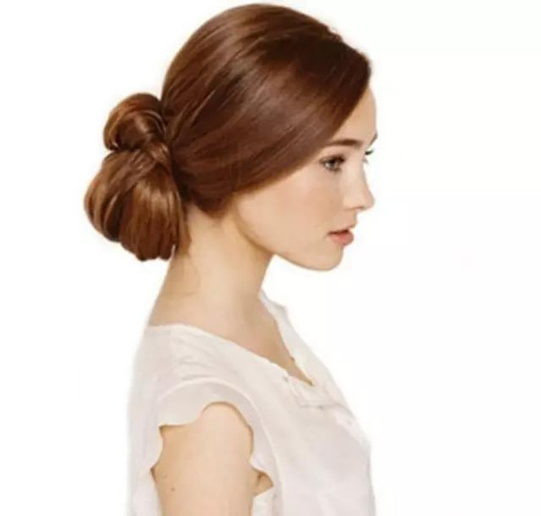大方高贵又不失柔美女人味,低发髻盘发,低调复古的风格引领秋日宴会最图片