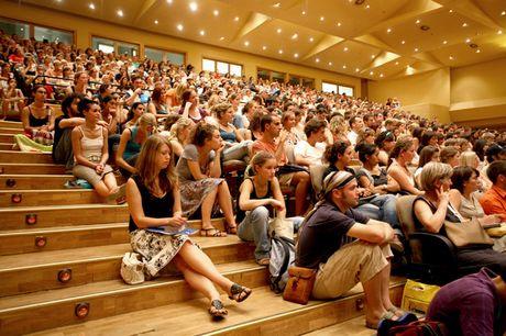 如何让高中77生留学西班牙?