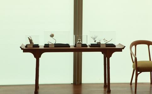 """图为展于中国馆VIP室的""""节气礼赞""""系列产品"""