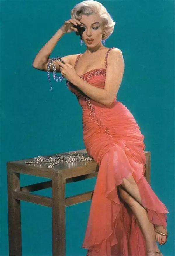 她被美国电影学会选为百年来最伟大的女演员