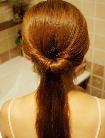 绑头发的方法图片_绑头发方法图解 可爱又好看的扎发教学 快速绑发