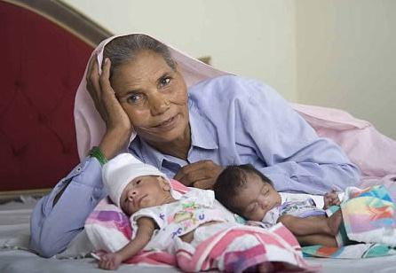 5岁当妈70岁诞下双胞胎,盘点世界上的传奇妈妈