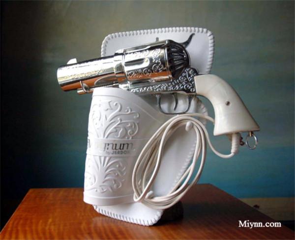 手枪造型电吹风 面对这些有创意的电吹风设计,你是不是有想换电吹风