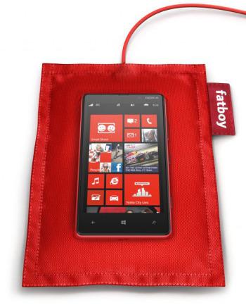 Lumia手机上早已实现无线充电功能(图片引自pocketnow)