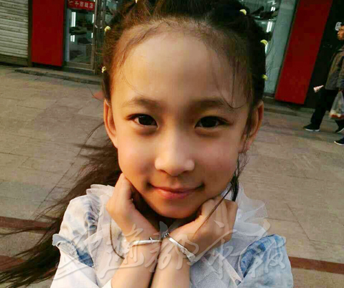 黑龙江9岁女孩为救姥姥突入火海 满身25%重度烧伤(图)