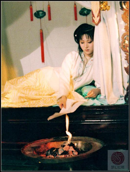 87版《红楼梦》电视剧林黛玉精彩剧照赏析
