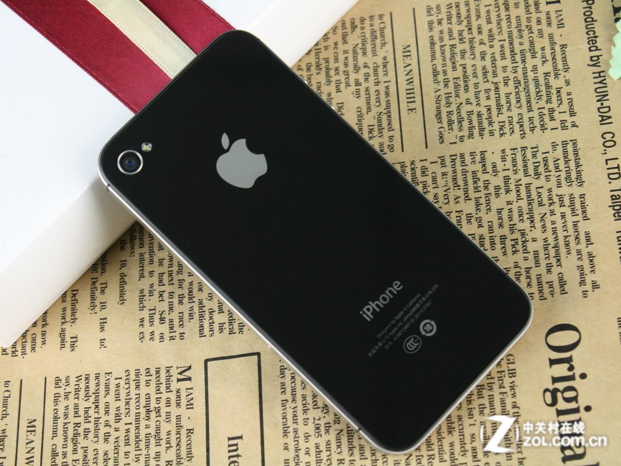 图为 苹果iPhone 4S