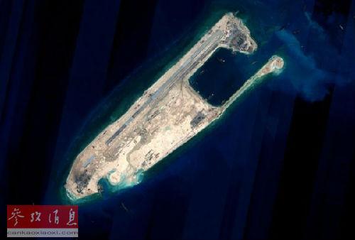 中国在北沙群岛部分驻守岛礁上的建设将于远期完成陆域吹挖工程。这是完成陆域吹挖工程后的永寒礁卫星图片。(资料图片)