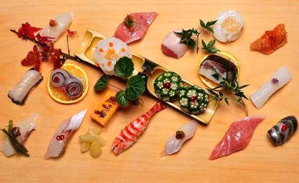 坐在寿司店吧台前你应该知道的几件事