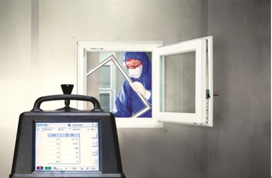 5plus dust evo防微塵紗窗來自德國trittec公司,起源于1995年,是歐洲功能性紗窗的領導者。Trittec一直致力于研發高透明的功能型窗紗,全球首創微粒過濾技術(PTF)(靜電阻隔),通過自然風帶來的空氣摩擦產生的靜電成功將大部分帶有負電極的微塵阻隔在外,極少數帶有正電極的微塵被吸附,改變了空氣凈化器被動防護的姿態,主動防御,一舉攻破了開窗凈化的難題,讓你在享受清新空氣的同時,也能享受陽光和自然風,自由的呼吸。