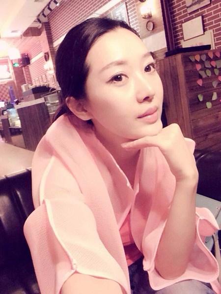 歌手石小琳