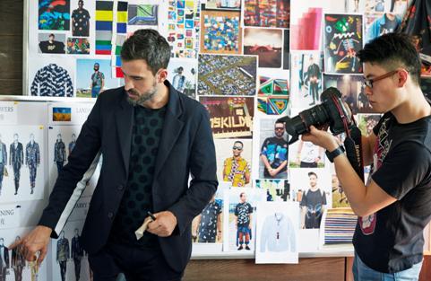 """最后,我想用Lucio的这段回答来作为结语:""""艺术总是在寻求新的想法、新的沟通方式。身为一名设计师,我也与衣服进行"""