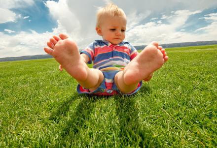 两周岁男宝宝腿型