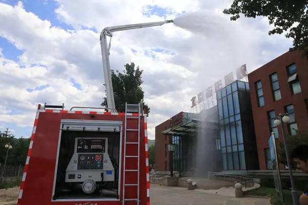 北京/通过此次演练,从火灾报警、人员疏散、灭火、救援、医疗救护、...
