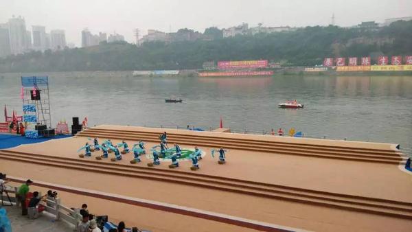 安康第十五届汉江龙舟节开幕式圆满结束