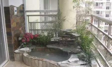 客厅阳台装修效果图:您是否一直向往苏州园林的假山、小湖、凉亭?
