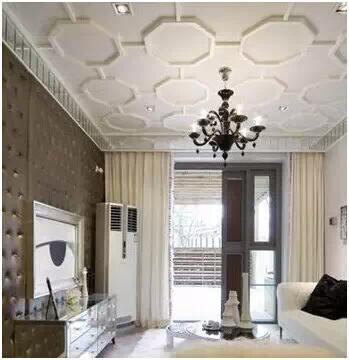 客厅过道吊顶效果图:精致的水晶灯是亮点.