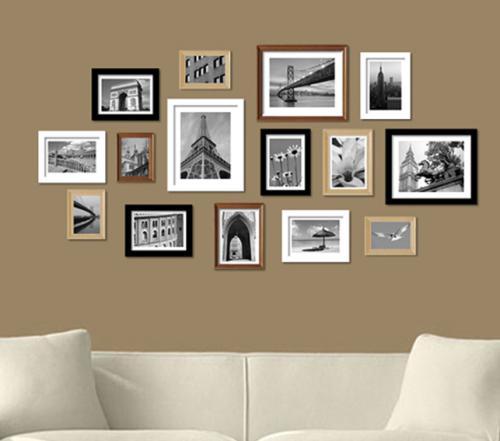 这款照片墙配合沙发的简约造型,也全部使用了长方形的相框,而且为了与图片