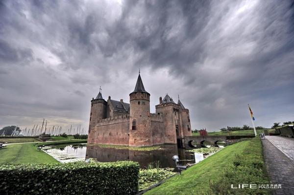 探密中世纪穆登古堡