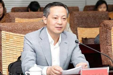 云南省委常委、纪委书记张硕辅
