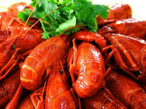 小龙虾怎么吃图解_小龙虾怎么吃