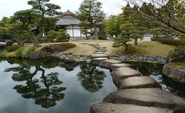 日式别墅庭院