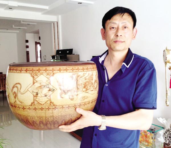日本鬼子撤退了 留下了陶瓷火盆