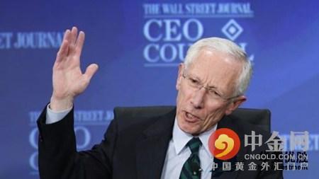 """费希尔表示,薪资增长和持续创造就业机会的""""初步迹象""""也使他自信美国劳动力市场将继续改善,并逐步推动通胀升向美联储设定的2%的目标。"""