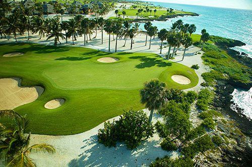蓬塔卡纳地区是高尔夫球客的海滨度假胜地,这里球场众多、品质非凡